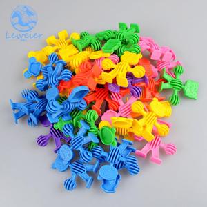 小人塑料拼插拼装软体积木儿童益智力幼儿园桌面玩具动物酷比积木