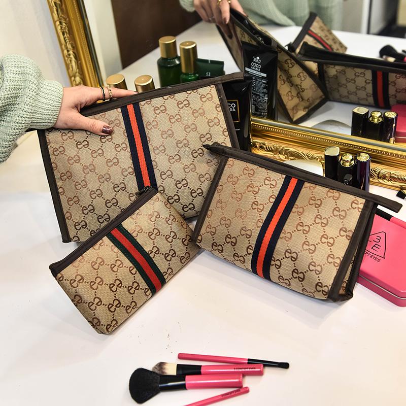 大容量化妆包小号便携收纳包女迷你随身手拿包可爱化妆袋三件套装