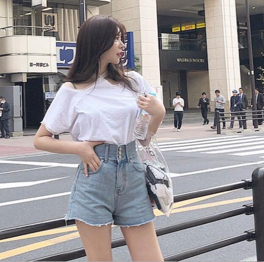 韩国 INS人气款  大长腿高腰须须边显瘦牛仔短裤    现货