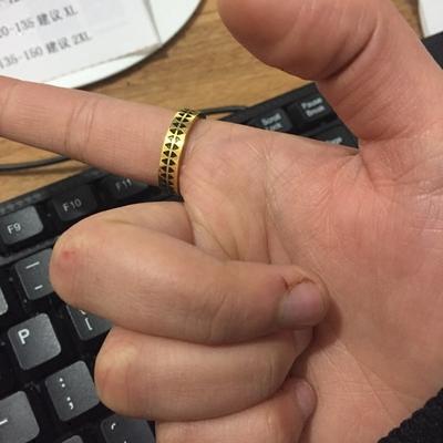 日本潮牌蚀刻锯齿纹身图腾男女对戒学生情侣戒指个性礼物