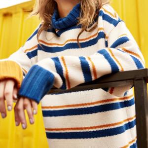 Mùa thu và mùa đông phụ nữ Hàn Quốc phiên bản của trường trong gió dài lỏng lỏng headband màu sắc tương phản sọc cao cổ áo dài tay áo len áo sơ mi