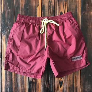 Rắn màu quần áo khô nhanh chóng quần thể thao của nam giới thể thao ba điểm quần short với lót bên bờ biển khu nghỉ mát suối nước nóng bơi thân