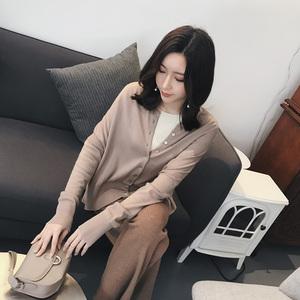 MC 2018chic đầu mùa xuân mới retro nhẹ nhàng gió đan áo khoác cardigan nữ bên ngoài có một chiếc khăn choàng nhỏ Z18023