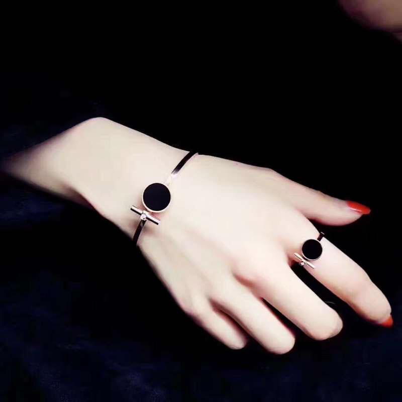 Nhật bản và Hàn Quốc phiên bản của cá tính của titan thép mạ 18 k tăng nhẫn vàng nữ mô hình vòng màu đen ngón tay trỏ vòng vòng triều phụ kiện