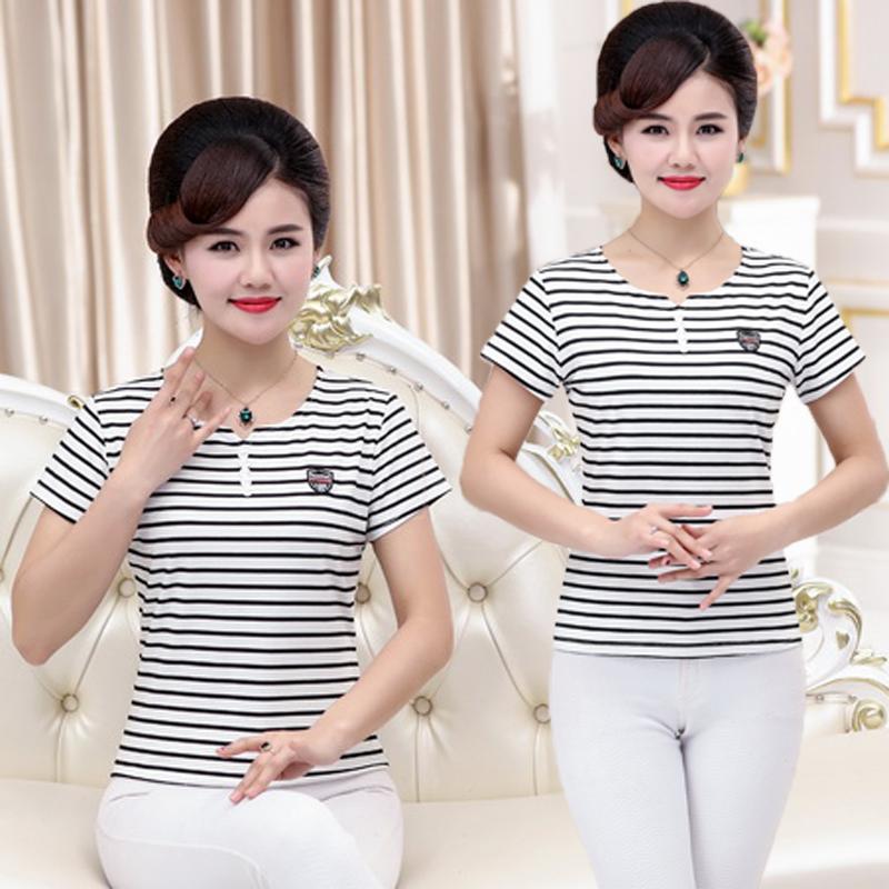 Mùa hè từ bi mẹ trung niên nạp sọc t-shirt 40 tuổi 50 trung niên phụ nữ nước ngoài của một nửa tay áo đa năng tay áo