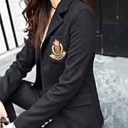 Giải phóng mặt bằng huy hiệu phù hợp với nhỏ áo len phần ngắn eo người đàn ông nhỏ áo len nữ sinh viên mùa thu và mùa đông phong cách mới