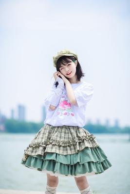 taobao agent Spot drop Xing Fu Song original lolita puffy cream plaid sk song suit half skirt