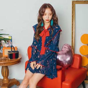 现货。韩国印花荷叶边前短后长喇叭长袖连衣裙