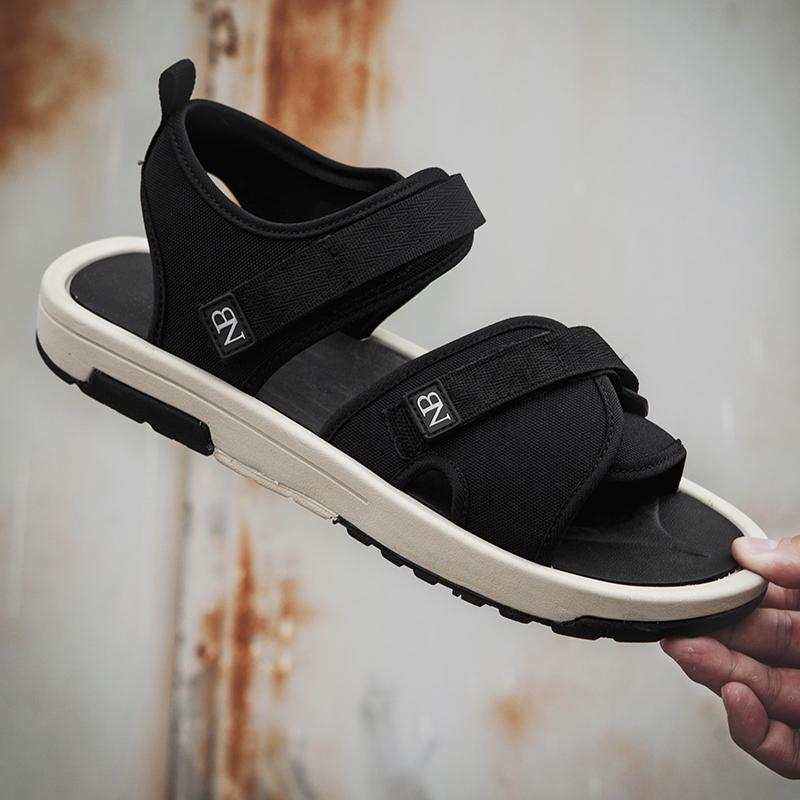 New giày thể thao cân bằng chạy bộ, Ltd. 2018 dép mùa hè mới bãi biển nam giới và phụ nữ đôi giày ma thuật vài người yêu thích giày