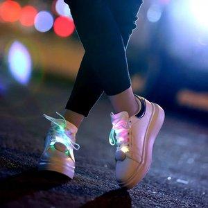 Giáng sinh LED Nylon Glowing Flash Khuyến Mãi Sáng Ren Nhảy Múa Đêm Chạy Thể Thao Đồ Chơi An Toàn Đèn