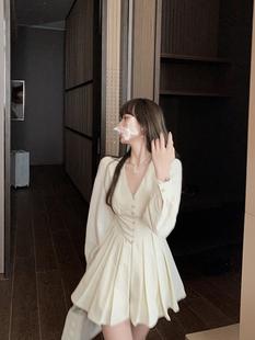 Французский небольшой Толпа людей длинный рукав платье женский осенний сезон 2020 метров корейский темперамент талия плиссированный A слово юбка сын
