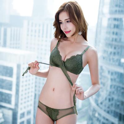 女士内衣性感蕾丝三角杯胸罩聚拢舒适无钢圈薄款侧收副乳文胸套装