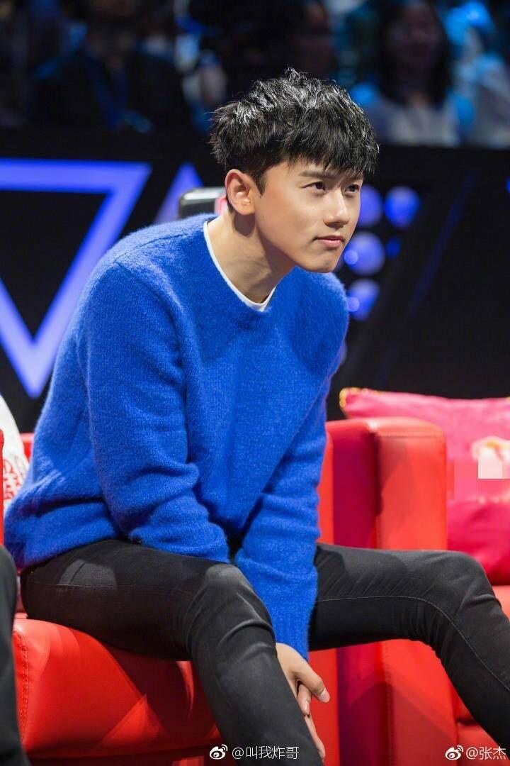 Mới Zhang Jie sao với nhỏ tươi màu xanh vòng cổ áo thun áo len mỏng lỏng dệt kim nam giới và phụ nữ những người yêu thích