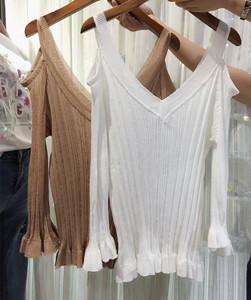 实拍#韩版秋季新款女装宽松V领漏肩七分喇叭袖上衣显瘦镂空针织衫