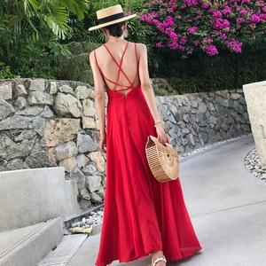 实拍2018女夏新款露背性感吊带红色沙滩裙子冷淡风海边度假连衣裙