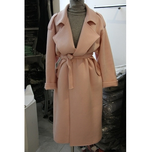 Chống mùa giải phóng mặt bằng mùa thu thời trang Hàn Quốc phiên bản của ve áo tie áo len áo len của phụ nữ áo gió phần dài