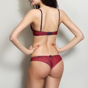 Kích thước lớn ren nửa gói hip đồ lót phụ nữ sexy thong phụ nữ thấp eo t quần lỏng t- trở lại đồ lót