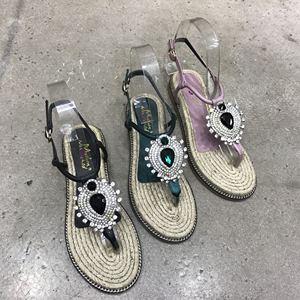 凤凰钻扣平底凉鞋 工厂特价促销活动 亏本卖出