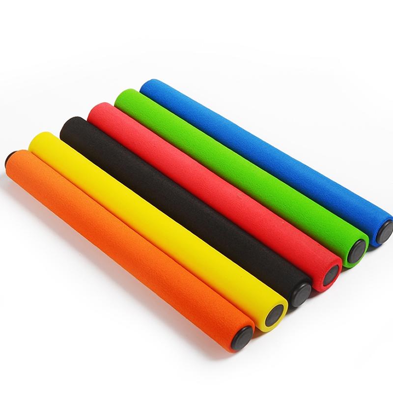 Theo dõi và lĩnh vực thiết bị bằng gỗ dùi cui sprint cạnh tranh sponge xử lý ABS dùi cui dùi cui thiết bị tiêu chuẩn