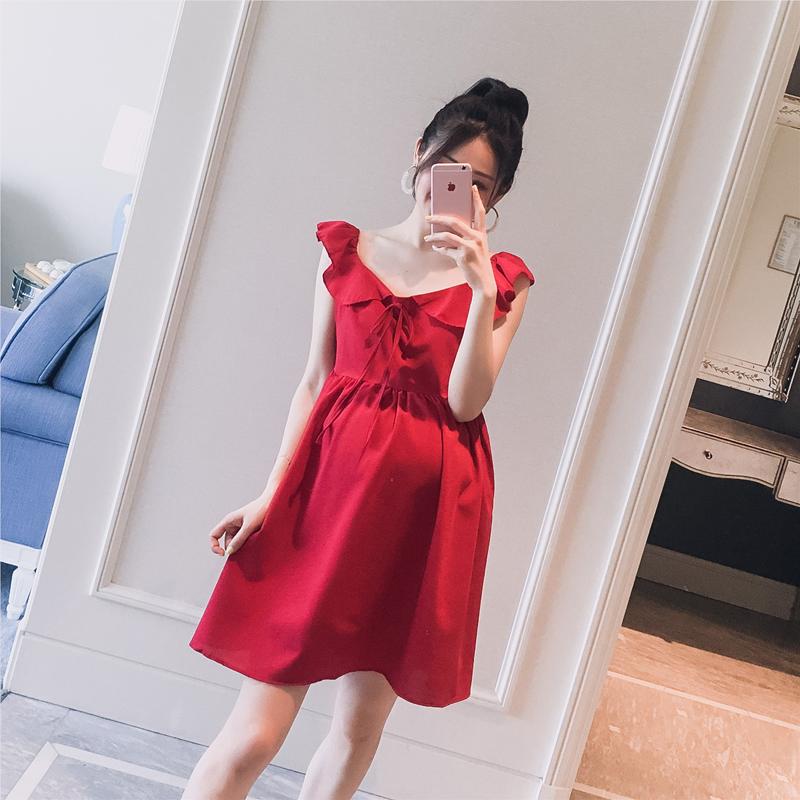Thai sản mặc 2018 mùa hè mới Hàn Quốc phiên bản của v- cổ bay bay tay áo thời trang phụ nữ mang thai nóng mẹ màu đỏ dài ăn mặc