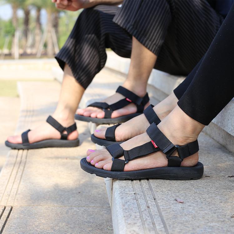 Вьетнам резиновая подошва сандалии 2019 мужской башмак корейская  версия простой на плоской подошве черный ткань включая песок пляж Женская обувь с мягким низом для влюбленной пары башмак