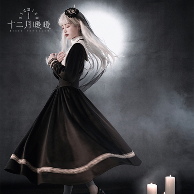 taobao agent Spot December warm and warm shining warm and warm Lolita silent prayer velvet dress lace embroidery waist