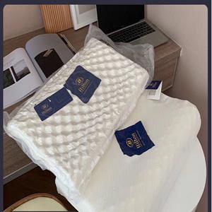 因港澳客户违约,限时亏本清仓】希尔顿乳胶枕枕芯成人枕头护颈枕