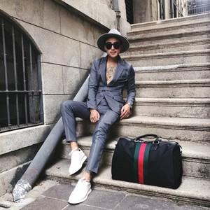 2017 sàn catwalk phù hợp với phù hợp với nam giới thời trang mới đính cườm thêu mỏng Anh thanh niên phù hợp với màu đen phù hợp với