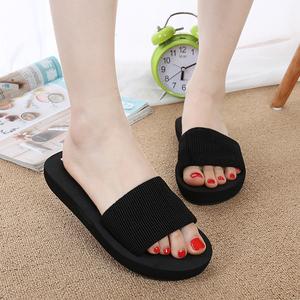 夏季新款大码时尚韩版厚底坡跟一字拖鞋女防滑平底沙滩凉拖鞋9927