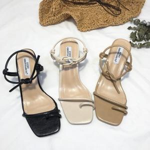 2018夏季爆款粗跟羅馬系帶夾腳方頭簡約涼鞋大氣時髦必備款超百搭