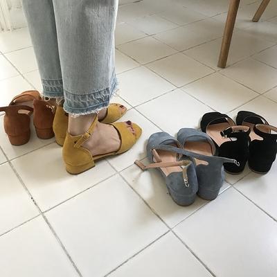 最小的海 小海推荐 新品韩系多色百搭绒面一字扣带露趾凉鞋