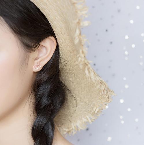 可爱日系风蝴蝶结母贝珍珠S925纯银耳钉金色耳饰约会礼物女